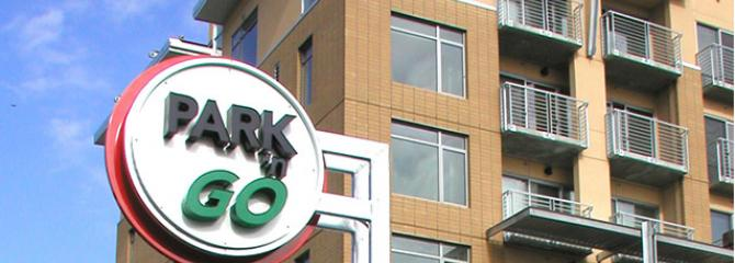Park 'n' Go sign in downtown Vancouver