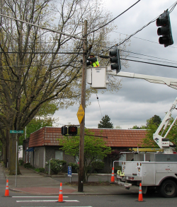 Vancouver Public Works crews repairing signal lights on Mill Plain