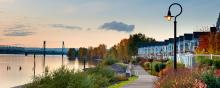 Waterfront Renaissance Trail along the Columbia River in Vancouver, Washington