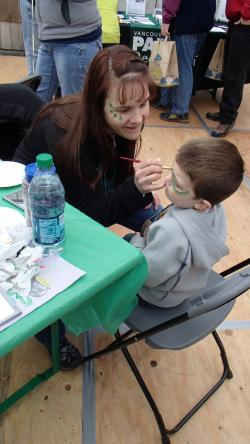 volunteer face painting